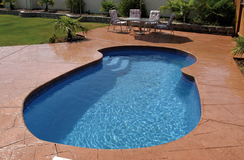 Patriot 23 12 x 23 x 5 Pool by Liberty Composite