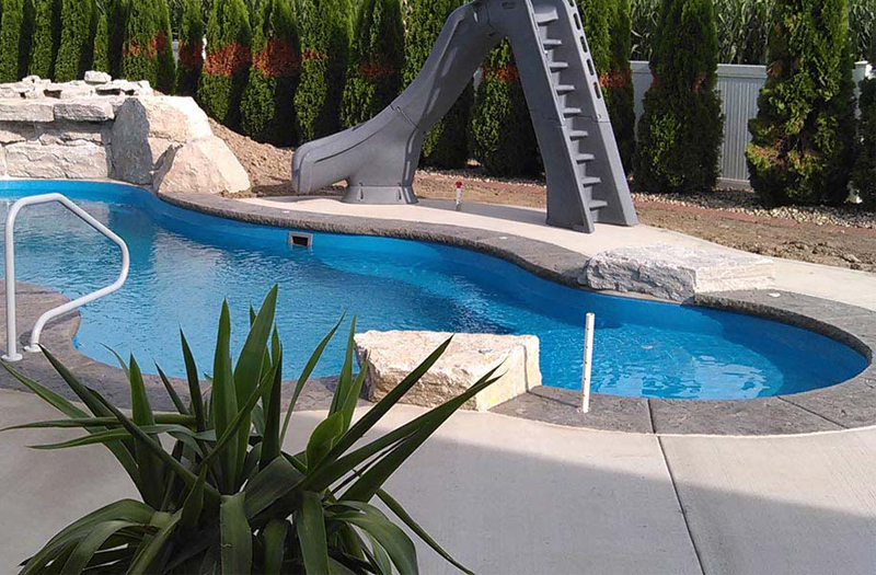 Wellspring 36 Tanning Ledge Combo 16 x 36 x 5 Pool by Thursday Pools