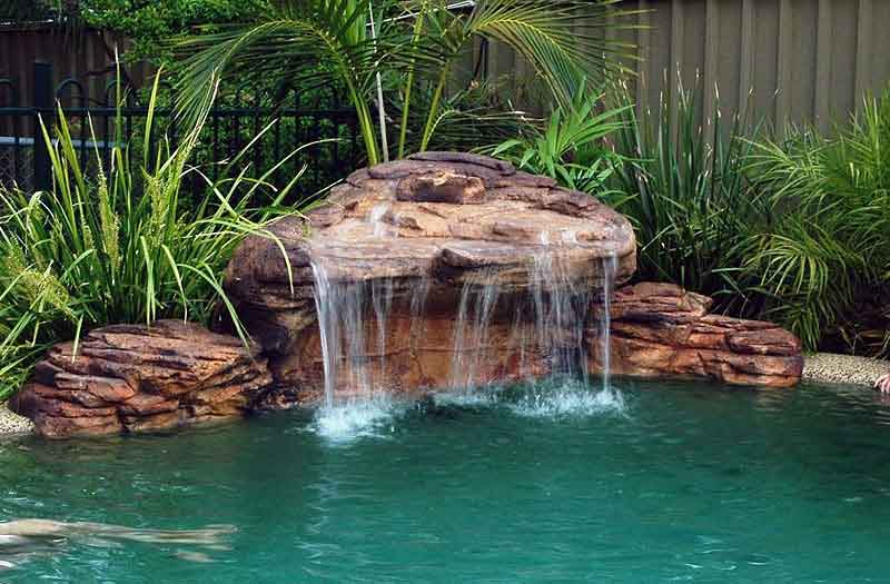 Cascades waterfalls swimming pool now - Swimming pool water fountain kits ...